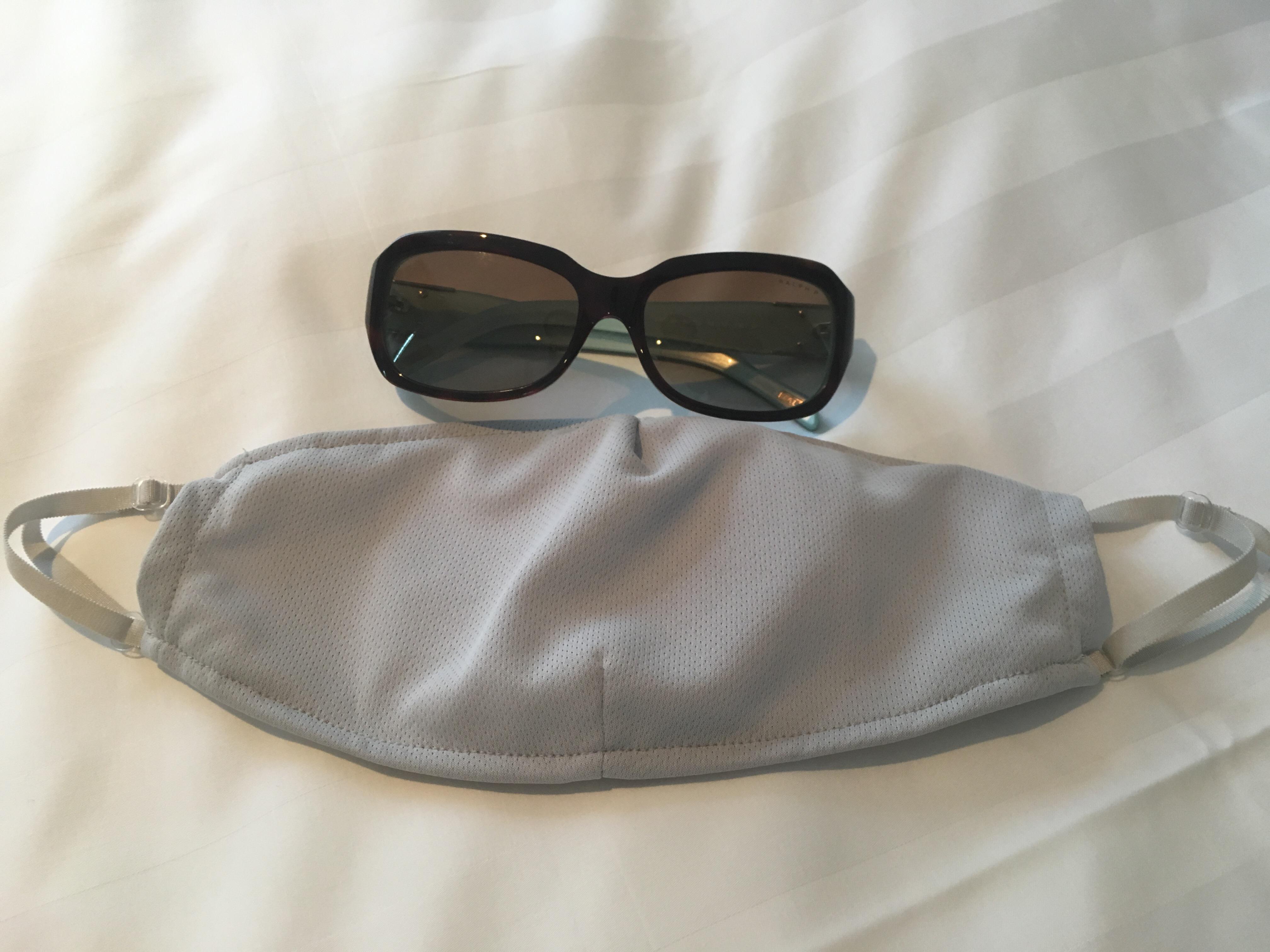 マスクとサングラスでサイズ比較