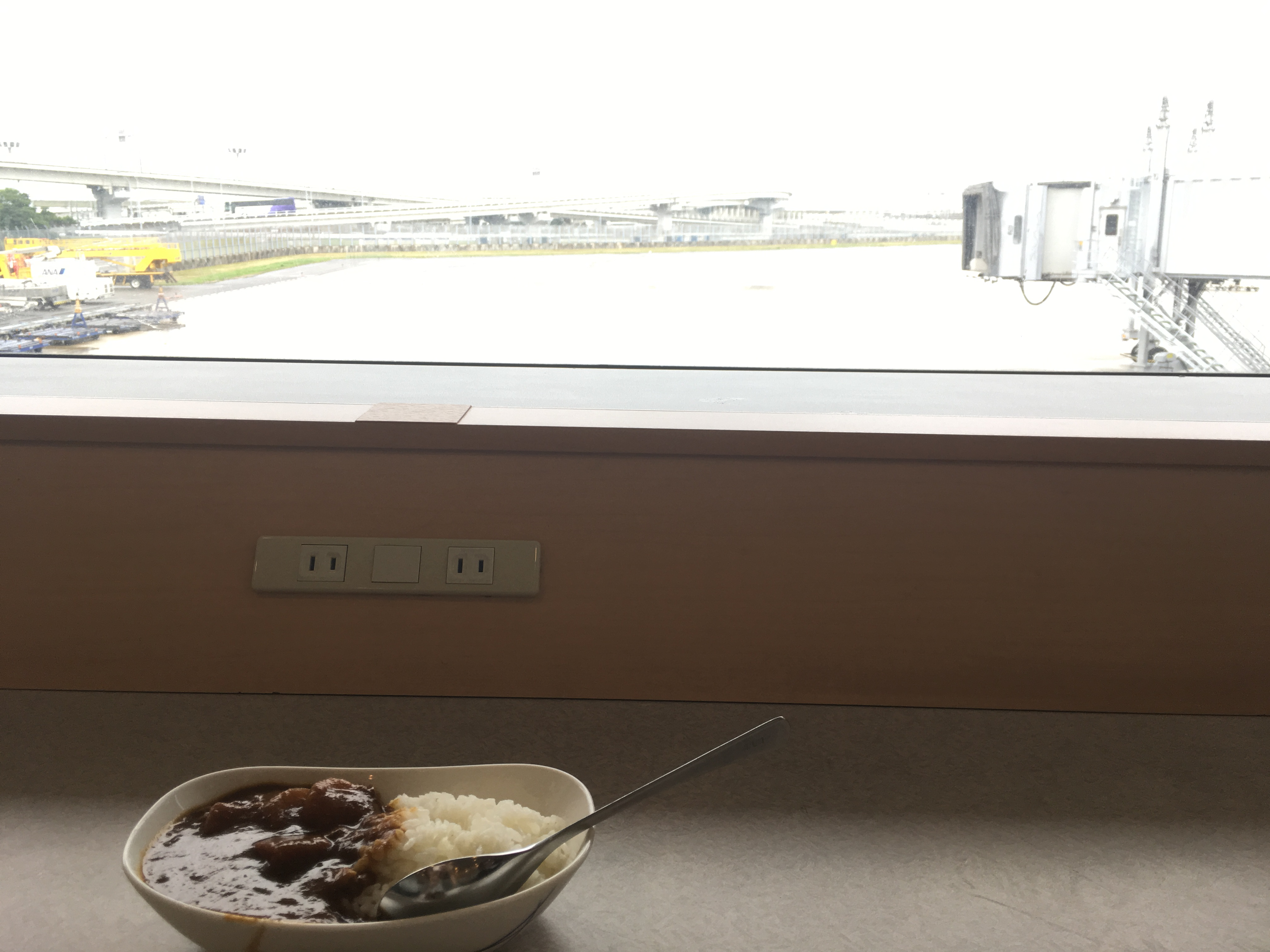 関西国際空港ANAラウンジ