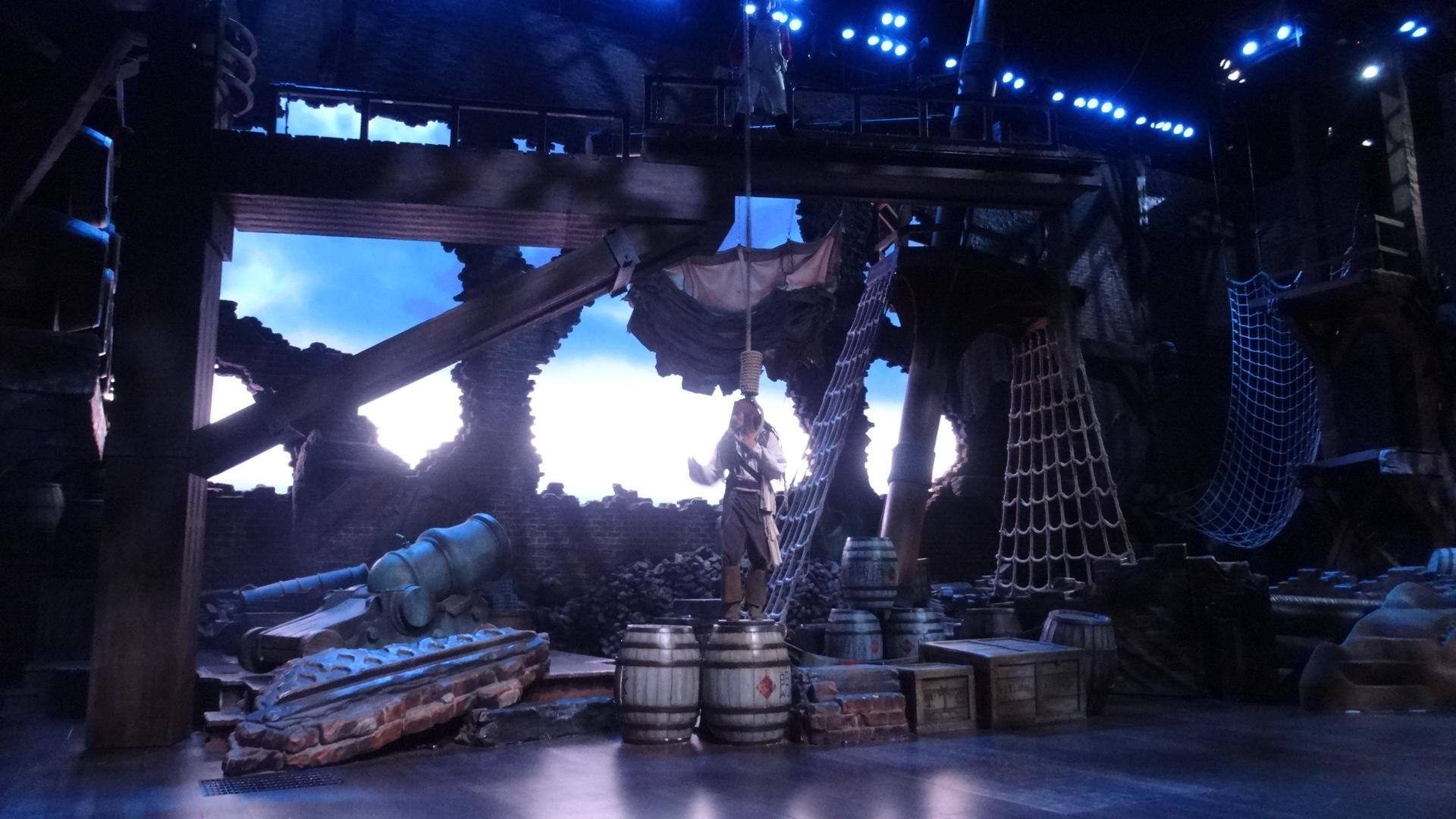 上海ディズニーランドカリブの海賊ショー